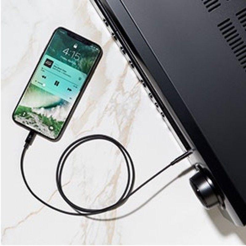 Cabo audio 3,5 mm com ligação Lightning