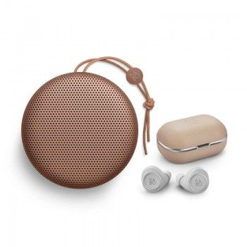 Conjunto composto por Bang & Olufsen Beoplay A1 Tan e E8 2.0 Natural